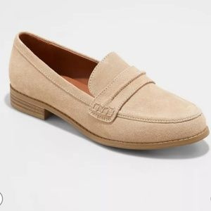 Universal Thread Anamae Suede loafers
